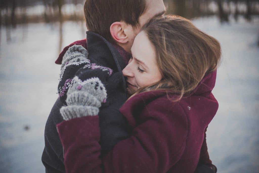 Dualseelenliebe ist wie ein Magnet, der die beiden Seelenpartner automatisch anzieht